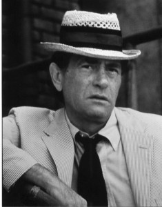 The late, great Darren McGavin as reporter Carl Kolchak