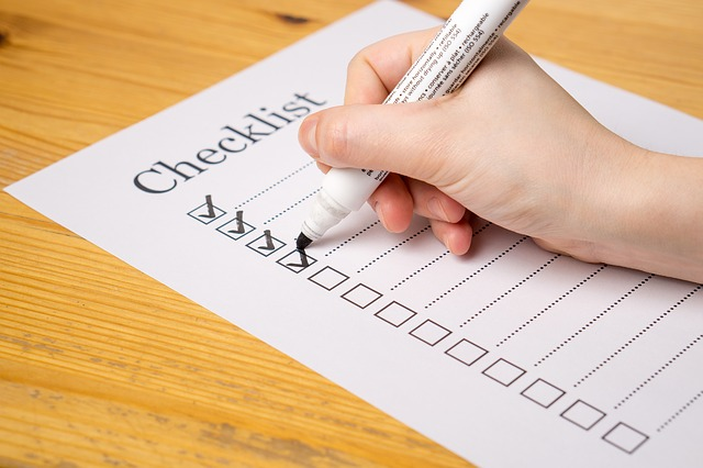 Checklist for evaluating B2B marketing software