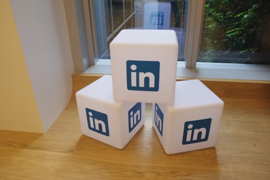 How to optimize your company profile on LinkedIn