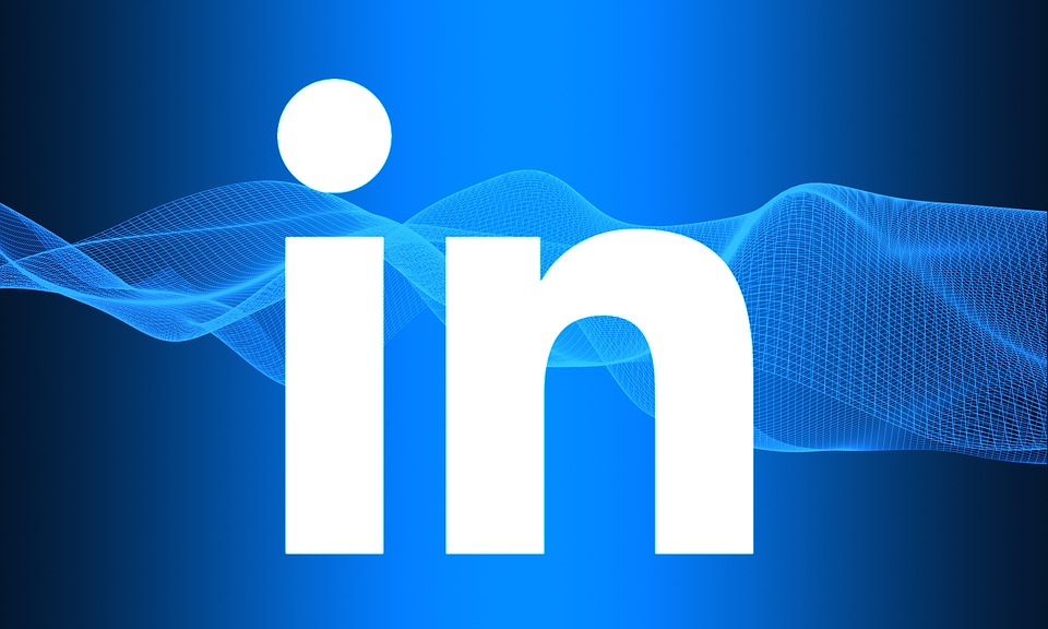 How to train employees to be brand advocates on LinkedIn