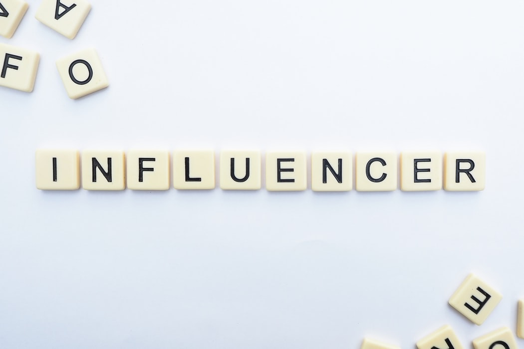 B2B vs. B2C Influencer Marketing: Platforms, Practices, and Packaging